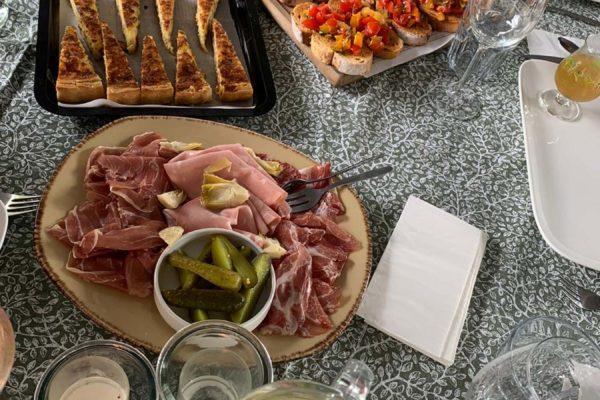 lunch diner arrangement
